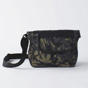 Lululemon Pop Cut Fatigue Green Crossbody Bag 5L